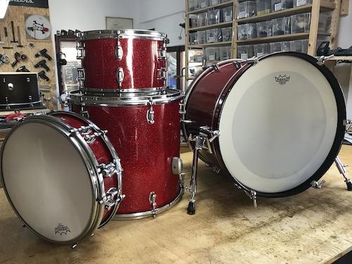 Drums, Percussion und Schlagzeug - zur Startseite wechseln.